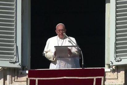 """Francisco advierte de """"la tentación de reducir la religión sólo a la práctica de las leyes"""""""