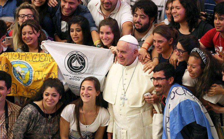 """Francisco urge a los jóvenes: """"El mundo necesita vuestra sed de verdad, bondad y belleza"""""""