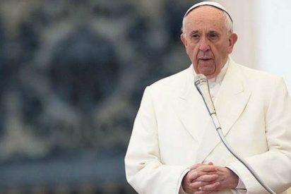 ¿Por qué no se defiende el Papa?