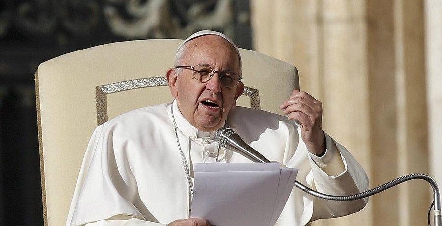 El Papa toma nota de las críticas y prepara ya medidas definitivas para enterrar la crisis de abusos
