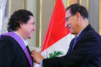 Gobierno peruano condecora al chef Gastón Acurio
