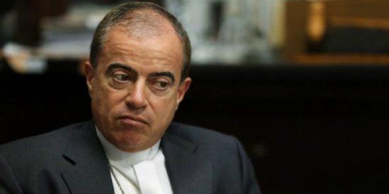 """El arzobispo de San Juan califica de """"expropiación"""" el embargo de las cuentas de la Iglesia en Puerto Rico"""