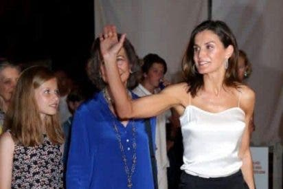 Otra brutal foto de doña Letizia humillando a la Reina Sofía dinamita la Casa Real