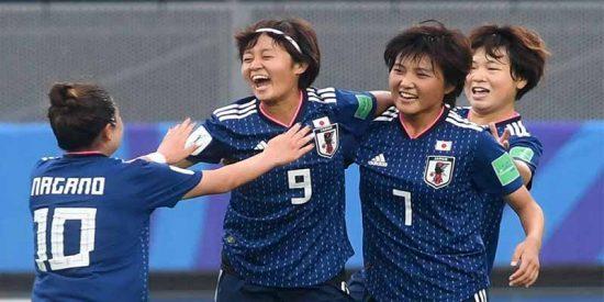 A las chicas de España les arrebatan las japoneses la gloria mundial a pelotazos (1-3)