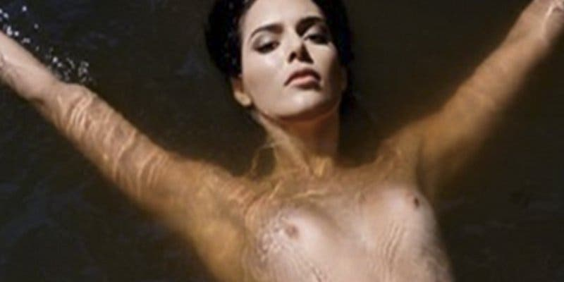 Kendall Jenner planta cara a la censura de Instagram con este 'Free the nipple'