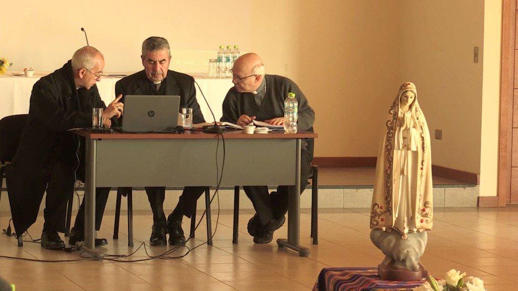 """Nuevo 'mea culpa' de los obispos chilenos: """"Hemos fallado a nuestro deber de pastores"""""""