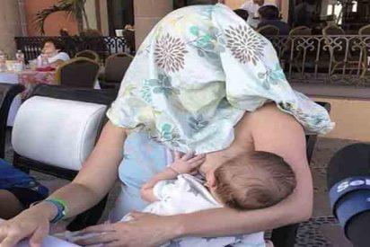 La ingeniosa reacción de una madre cuando le pidieron que no amamantase a su hijo en público