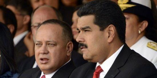 La dictadura de Maduro autoriza a los venezolanos a comprar dólares en casas de cambio