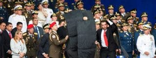El dictador Maduro huye del desfile como alma que lleva el diablo tras sufrir un atentado con un dron