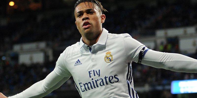 El Real Madrid ya tiene su '9', Mariano vuelve a casa