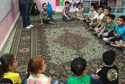 El milagro del padre Carlos con los refugiados sirios e iraquíes en Jordania