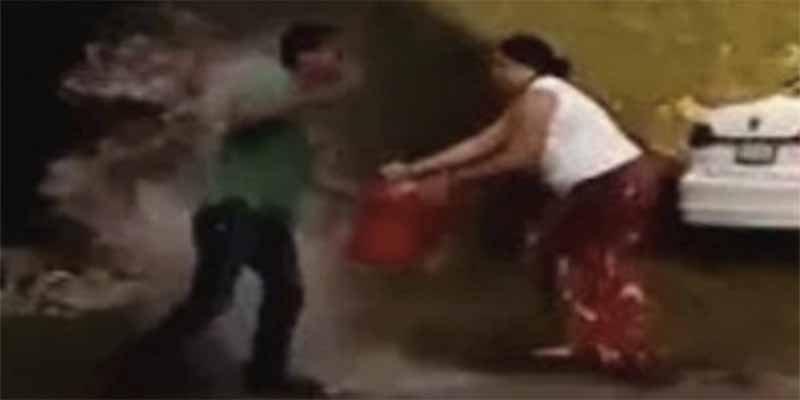 Una mexicana rocía con gasolina y prende fuego a su marido 'por abusar de su hijo'
