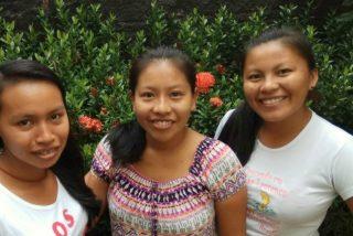 """Novicias indígenas: """"No somos sólo pobrecitas, también tenemos nuestra riqueza y valores"""""""