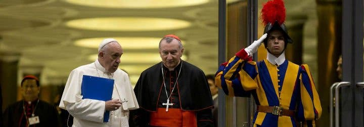 """Parolin: """"El Papa está sereno, a pesar de la amargura"""" por el 'escándalo Viganò'"""