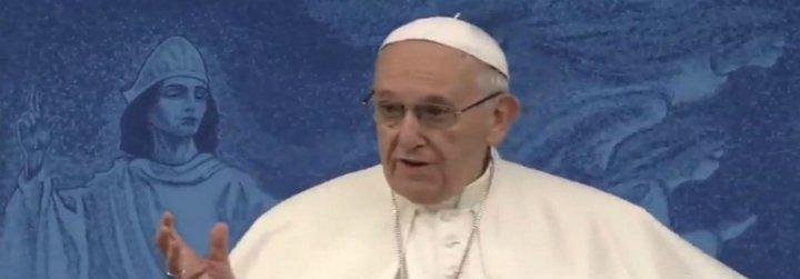 """El Papa pide perdón en Knock por el """"escándalo y traición"""" de la pederastia"""