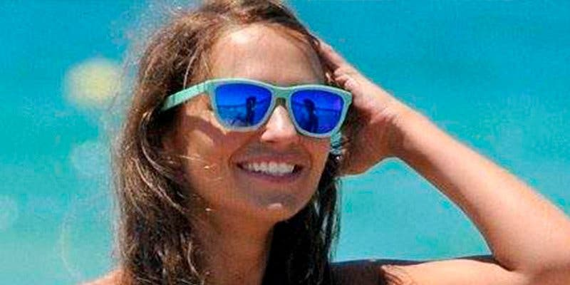 Postureo: Paula Echevarría posa en bikini para reírse de si misma
