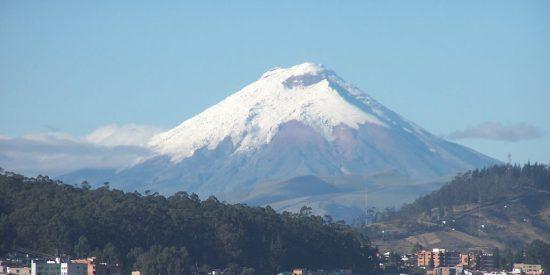 Ecuador elimina el seguro de salud como requisito para ingresar al país