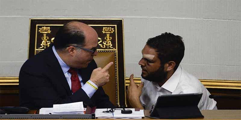 Esbirros del dictador Maduro allanan viviendas de los diputados opositores acusados de planificar el presunto ataque con drones
