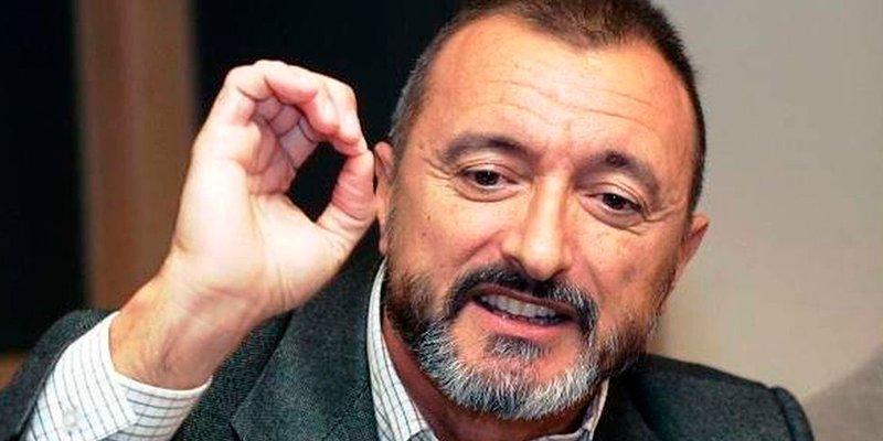 Pérez-Reverte fulmina a un molesto moscardón separatista propinándole la mayor humillación jamás vista