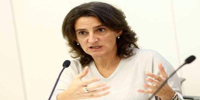 """Una empresa investigada y """"regada"""" con 80M€ de dinero público dio cobijo a la vicepresidenta Ribera"""