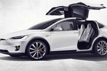 Multan al conductor de un Tesla Model S por ir tan rápido que el coche salió volando