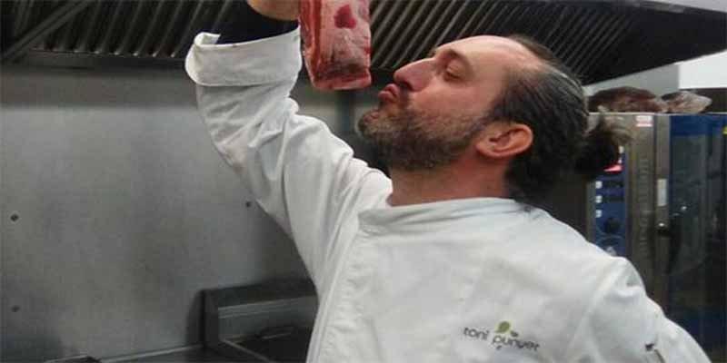Asan en la red al restaurante de Lérida que ofrece 'guardia civil andaluz a la brasa'