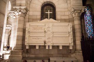 Osoro, dispuesto a enterrar a Franco en la cripta de La Almudena si la familia lo pide