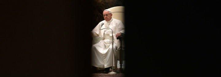 Los 'diplomáticos' vaticanos desactivan el 'golpe de Estado' de los rigoristas contra el Papa Francisco