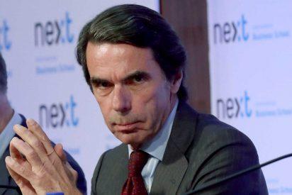 Aznar reaparece para salir en defensa de Ayuso