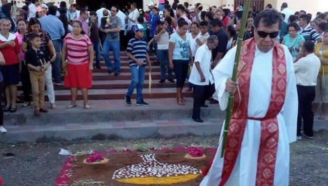 Denuncian la agresión de encapuchados contra un sacerdote en su casa en Nicaragua
