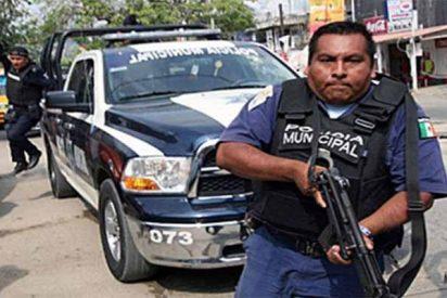 El Gobierno de México desarma a la corrupta policía de Acapulco