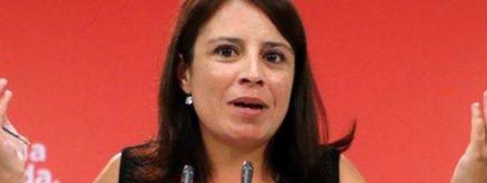 """Carlos Herrera: """"Con las cosas que no sabe Adriana Lastra se llenan barrios, varios terabyte, varias enciclopedias"""""""