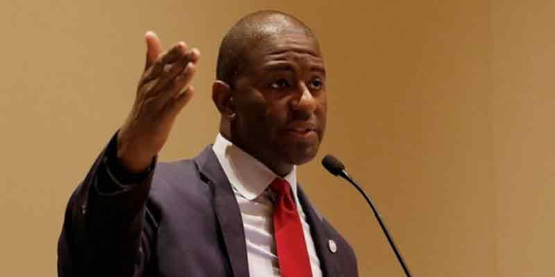 Grupo neonazi se burla del candidato afroamericano a la gobernación de Florida