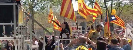 Alemania, Reino Unido, EEUU, Australia y Canadá advierten del peligro de viajar a Barcelona