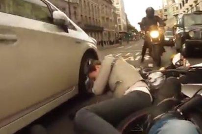 Motociclista grabó el impactante momento en el que atropelló a una mujer en Londres