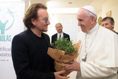 """Bono: """"El Papa es un hombre extraordinario para tiempos extraordinarios"""""""