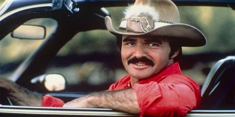 Muere el actor Burt Reynolds, el mítico macho de 'Boogie Nights', 'Rompehuesos', 'Los Traficantes' o 'Los Caraduras'.