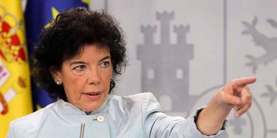 La chavista Celaá nos toma por una recua de asnos e intenta colarnos que la prensa acosa por puro odio a Sánchez