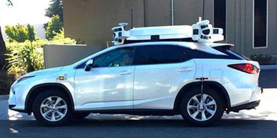 ¡El coche autónomo de Apple tiene su primer accidente!