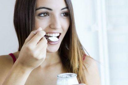 ¡Ojo al parche!: La OCU avisa a los que comen habitualmente yogures de sabores o con frutas