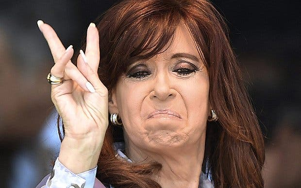 Argentina: Cristina Kirchner fue procesada como jefa de una asociación ilícita que recaudaba sobornos