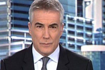 El cambio de look de David Cantero de Informativos Telecinco arrasa en la red
