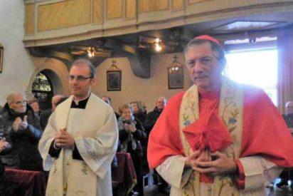 Este párroco cobrará un impuesto por cada centímetro de más que enseñen las novias en las bodas