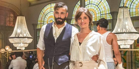 El Continental', con Michelle Jenner y Alex García, abre sus puertas este lunes en La 1