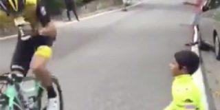 El niño animaba al ciclista en La Vuelta a España y la respuesta del deportista da la vuelta al mundo