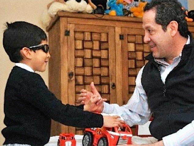 Científicos norteamericanos e ingleses desarrollan un tratamiento para un tipo de ceguera infantil y ganan un premio
