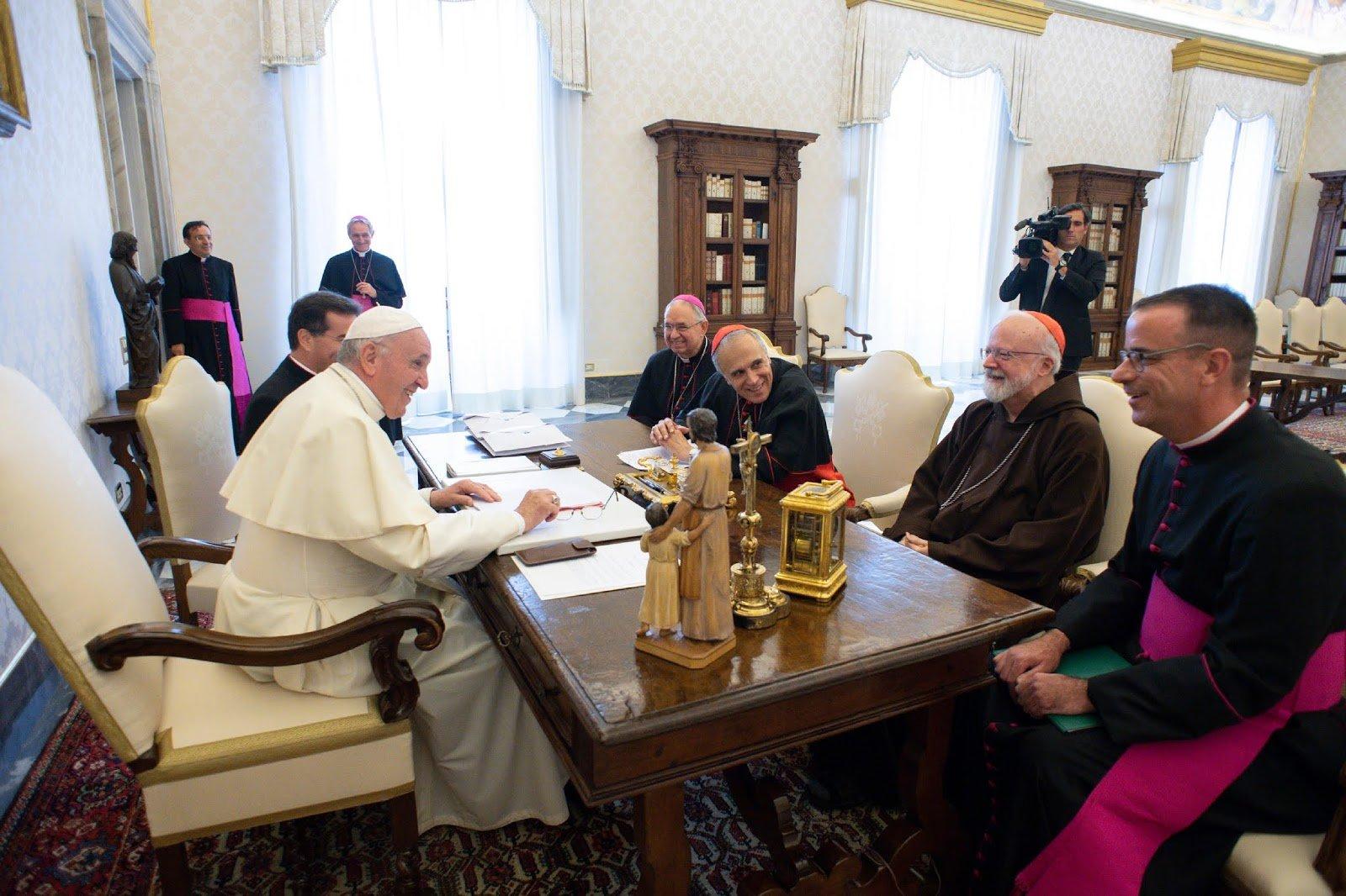 """Los obispos de EE.UU. comparten con el Papa el dolor por """"el demonio del abuso sexual"""""""