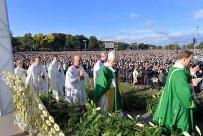 """El Papa denuncia los """"cantos de sirena"""" que se esconden detrás de los """"rebrotes"""" de xenofobia"""