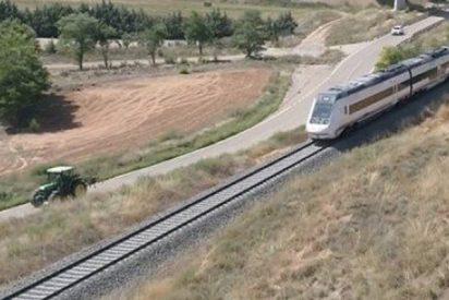 ¿Sabías que un tractor va más rápido que el tren a su paso por Teruel?