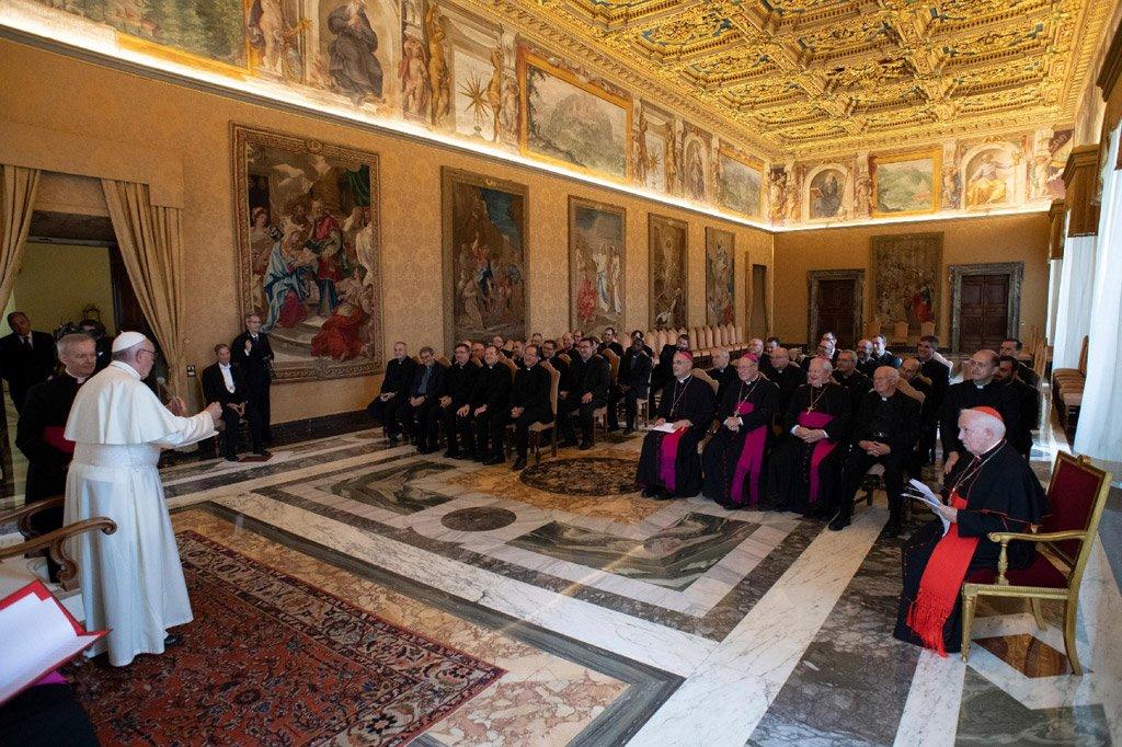 """El Papa agradece al cardenal Cañizares y a la diócesis de Valencia su """"acogida, testimonio y ejemplo"""" en la ayuda a los migrantes"""